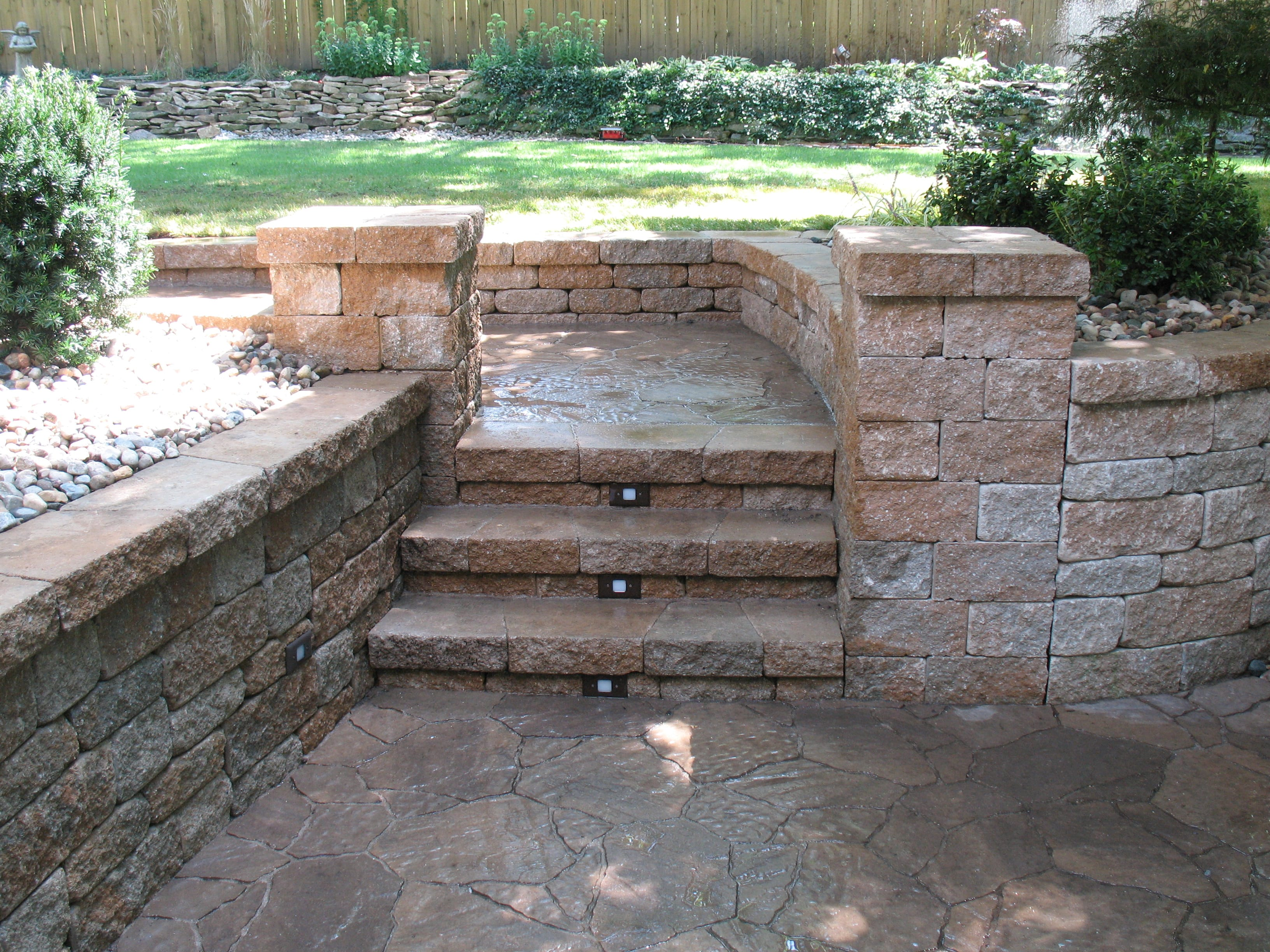 Retaining & Seat Walls – Green Expectations
